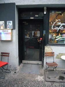 Schwelle zum Schwarzen Cafe